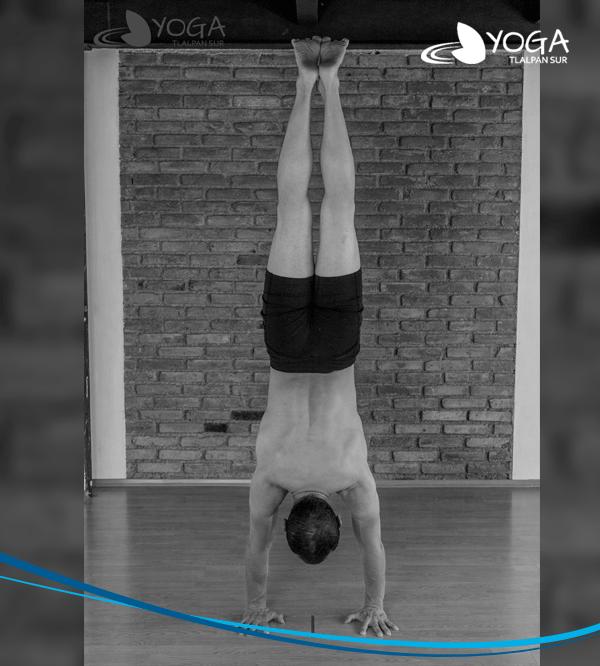 Maestros | Yoga Iyengar | Yoga Tlalpan Sur | Gerardo Grobet